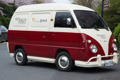 El coreano inusual van car del vintage le gusta el campista de VW Imagenes de archivo