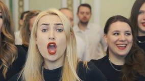 El coro canta a golpe el camino Jack metrajes
