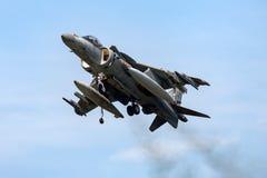 El corredor de cross español de Española McDonnell Douglas EAV-8B de la armada de la marina de guerra salta los aviones de jet fotos de archivo