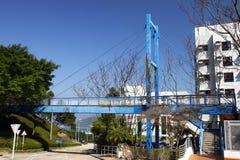 El cortocircuito cable-permanecía el puente Fotos de archivo libres de regalías