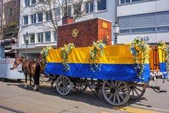 El cortocircuito del muelle de Limmatquai antes del desfile de Sechselauten comienza Imagen de archivo libre de regalías