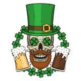 El cráneo del ` s de St Patrick con las hojas verdes del sombrero y del trébol Cráneo irlandés Vector del cráneo de StPatrick Imagen de archivo
