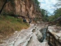 El cráter volcánico en Hell& x27; parque nacional de la puerta de s, Kenia imágenes de archivo libres de regalías