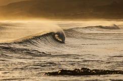 El cresting de la onda Imagen de archivo