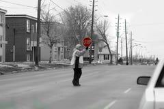 El cruzar con seguridad Foto de archivo libre de regalías