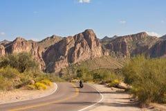 El cruzar del desierto Fotografía de archivo libre de regalías