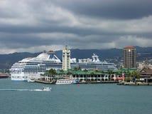 El cruzar en Honolulu Imagenes de archivo