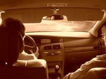El cruzar en Renault Velsatis foto de archivo libre de regalías