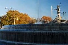 El cuadrado de Neptuno de Madrid, España imagenes de archivo