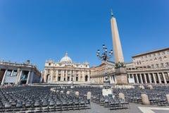 El cuadrado de San Pedro, Vaticano Foto de archivo