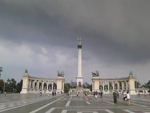 El cuadrado del héroe de Budapest Imágenes de archivo libres de regalías