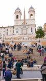 El cuadrado español en Roma con la señal famosa de pasos españoles Fotos de archivo libres de regalías