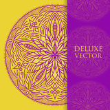 El cuadrado invita a la plantilla Invitación del vector con el elemento del diseño de la mandala Ornamento redondo de la flor Imp Imagenes de archivo