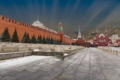 El cuadrado rojo, ve el Kremlin, el mausoleo y la mañana temprana del invierno del museo histórico Imagen de archivo libre de regalías