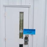 El cuarto de baño está fuera de servicio Fotografía de archivo libre de regalías