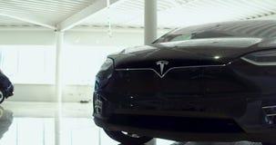 El cuerpo de un coche eléctrico metrajes