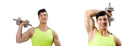 El culturista rasgado muscular con pesas de gimnasia fotos de archivo