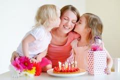 El cumpleaños de la mamá fotos de archivo
