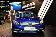 El cupé del CLA de Mercedes-Benz en la exhibición durante el Singapur Motorshow 2016 Foto de archivo