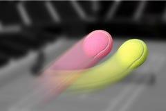 El curvar rápido de la pelota de tenis DOS Imagen de archivo libre de regalías