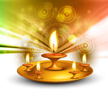 El día de fiesta de Diwali adornó el fondo colorido del diya