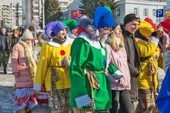 El día de fiesta de Maslenitsa Siberia occidental imagenes de archivo