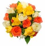 El día de tarjetas del día de San Valentín florece con las flores de las rosas blancas, anaranjadas, rojas y amarillas Fotos de archivo