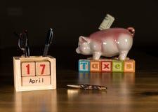 El día del impuesto para 2017 devoluciones es el 17 de abril de 2018 Fotografía de archivo