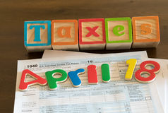 El día del impuesto para 2016 devoluciones es el 18 de abril de 2017 Imágenes de archivo libres de regalías