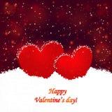 El día y los dos corazones de la tarjeta del día de San Valentín del fondo en la nieve Foto de archivo