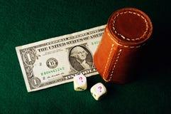 El dólar corta la pregunta en cuadritos Foto de archivo libre de regalías