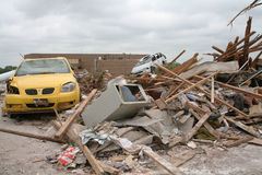 El daño después de un F5 rasgó a través de Moore Oklahoma Imagen de archivo libre de regalías