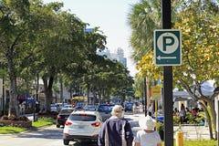 El día temprano en los Olas de Las acerca a la avenida del SE 9no Fotos de archivo