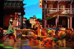 El  danza-grande del show†de los escenarios de la escala del rodillo el  del legend†del camino Imagen de archivo