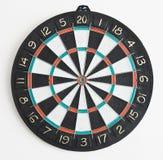 El dartboard en la pared Foto de archivo libre de regalías