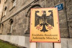 El ¼ de Eisenbahn Bundesamt Außenstelle Mà nchen Fotos de archivo