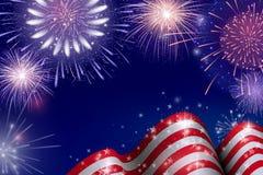 el 4 de julio, fondo americano de la celebración del Día de la Independencia con los fuegos artificiales del fuego Enhorabuena en Imagen de archivo libre de regalías