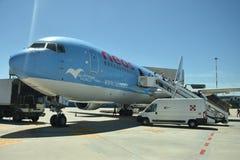 El 2016 de julio Italia - el avión de la línea aérea italiana Neos en el aeropuerto Fotografía de archivo
