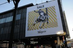 el 50% de venta en los grandes almacenes de Magasin du nord Imágenes de archivo libres de regalías