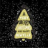 El decir de las vacaciones de invierno de la Feliz Navidad muy Dé la tarjeta de felicitación exhausta con las letras y el árbol d Fotos de archivo