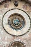 El della Ragione de Palazzo con el ` de la torre de reloj del ` de Orologio del ` del dell de Torre Mantua Imagen de archivo libre de regalías