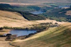 El depósito de Talybont en Brecon señala con almenara el parque nacional Foto de archivo