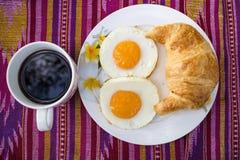 El desayuno en la tela. Imagenes de archivo