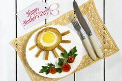 El desayuno original del día de madre imágenes de archivo libres de regalías