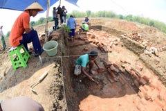 El descubrimiento de un templo antiguo Fotos de archivo libres de regalías