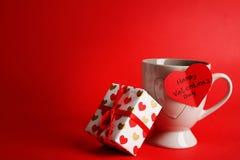 El desear para el día de tarjeta del día de San Valentín feliz fotos de archivo libres de regalías
