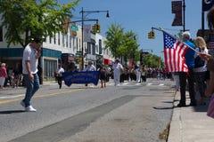 El desfile anual del D?a de los ca?dos de Ridgewood/de Glendale fotos de archivo