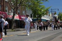 El desfile anual del D?a de los ca?dos de Ridgewood/de Glendale fotografía de archivo
