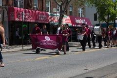 El desfile anual del D?a de los ca?dos de Ridgewood/de Glendale imagenes de archivo