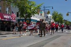 El desfile anual del D?a de los ca?dos de Ridgewood/de Glendale fotografía de archivo libre de regalías